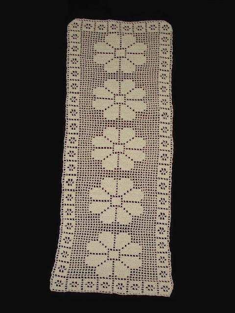 Craft Coaching: A Crochet Runner