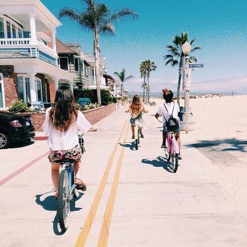Pinterest: iamtaylorjess // Best friends
