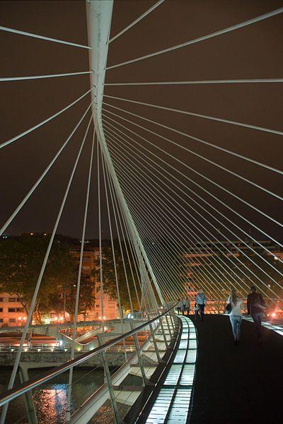 Bilbao: Zubizuri Bridge - Santiago Calatrava
