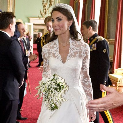 A First Look At Prince William And Kate Middletons Royal Wedding Cake