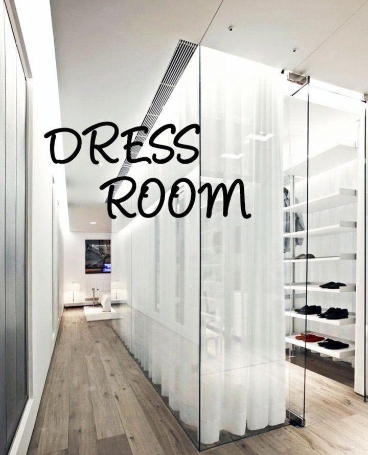 살랑살랑 봄바람 불어오는 봄의 문턱에서 #드레스룸 포스팅을 준비했습니다. 마음도 몸도 가벼워지는 봄을 맞이해서 옷장 정리 한 번 해보는 건 어떨까요? 예전에는 방에 옷장을 따로 두...
