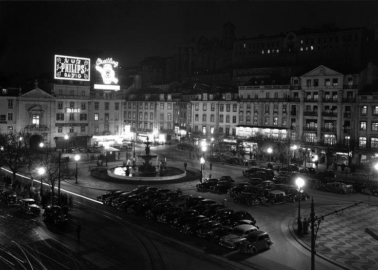 Praça do Rossio em Lisboa / Rossio Square in Lisbon - Estúdio Mario Novais - Coleção F.C.G