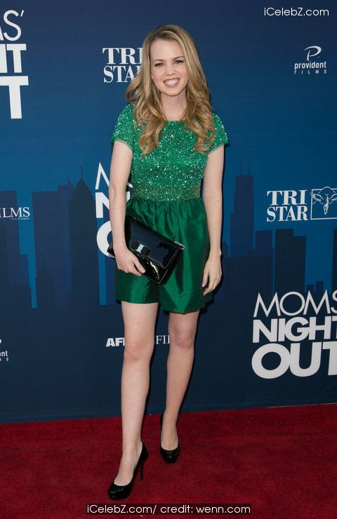 Abbie Cobb Premiere of 'Mom's Night Out' held at the TCL Chinese Theatre IMAX http://www.icelebz.com/events/premiere_of_mom_s_night_out_held_at_the_tcl_chinese_theatre_imax/photo1.html