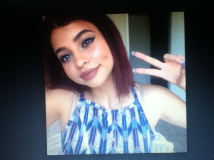 Simplynessa15 dating a girl