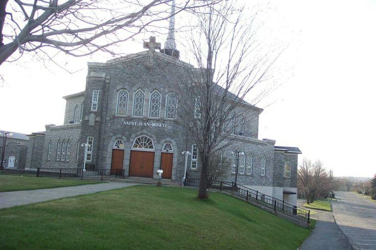 Eglise St-Jean Bosco....St-Jean Bosco's church (Magog,Quebec,Canada)