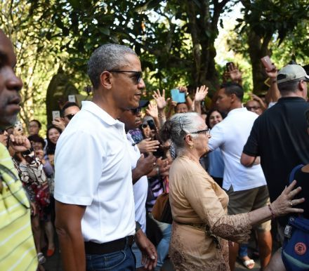 Obama on temple sojourn during Indonesia holiday