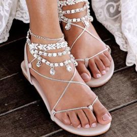 LOVE these shoes for the beach wedding!