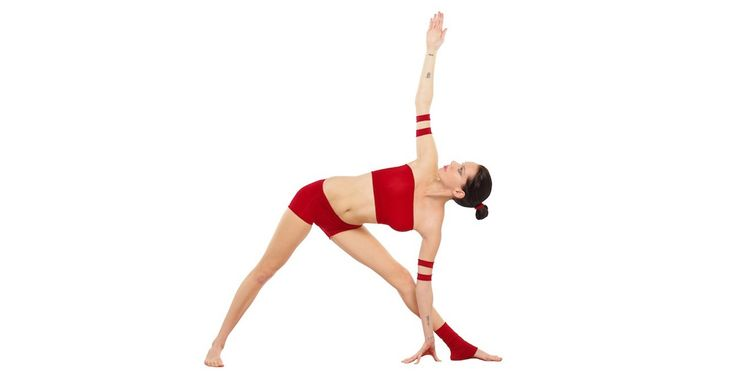 Simulate the functioning of the kidney through Trikonasana. Know more @http://myvgoa.com/blog/blog-post/trikonasana-the-triangle-pose/ #Goa #TrkonasanaYoga #Yoga #ManthanYogicVillage