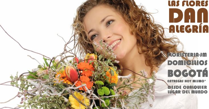 """La mujer en general es mucho mas sensible que el hombre. Los detalles para ella toman un valor muy importante... una mirada... un """"cuidate"""" o unas flores la impactan positivamente. Está comprobado científicamente que este efecto tan agradable le dura varios días luego de recibir flores. Envíele flores a su amada en Bogotá desde US$26"""