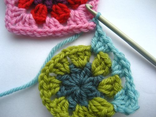 UK terms! joining crochet squares as you go by Lucy at Attic 24