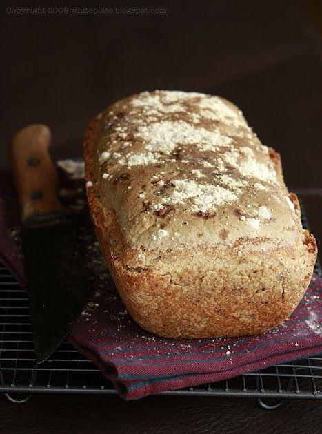 J eden z najłatwiejszych i najpyszniejszych chlebów żytnich - chrupiąca skórka, miękki i wilgotny miąższ, który na drugi dzień jest równi...