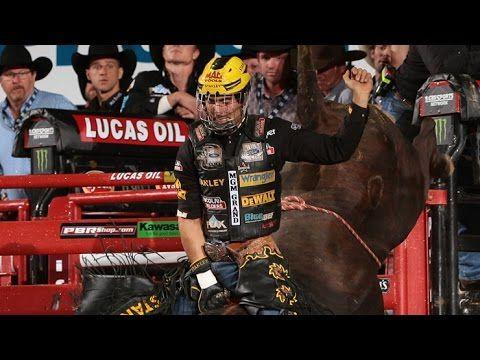 WINNING RIDE: Silvano Alves wins the 2014 PBR World Finals (PBR)
