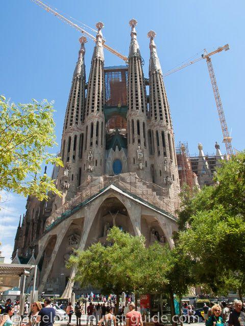 15 best trip to barcelona images on pinterest barcelona for Gaudi kathedrale barcelona