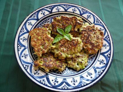 History Cookbook: Beancakes (sweet) - Saxon  Viking Recipes http://cookit.e2bn.org/historycookbook/1403-beancakes-sweet.html