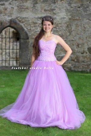 Dlouhé společenské plesové šaty fialové