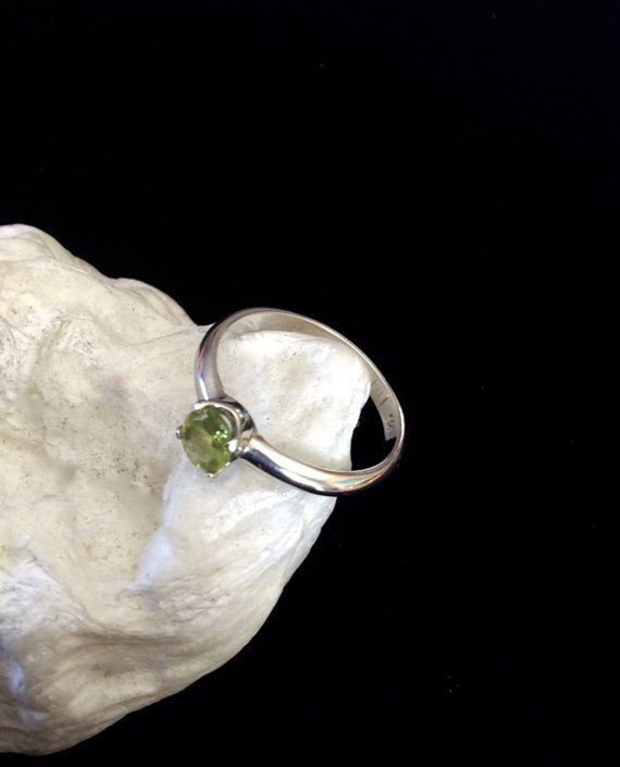 Peridot Ring, Faceted Peridot, Sterling Silver, US Size 7 Ready to Ship, August Birthstone, 4 Claw Setting, Gift for Women, Gift for Teen