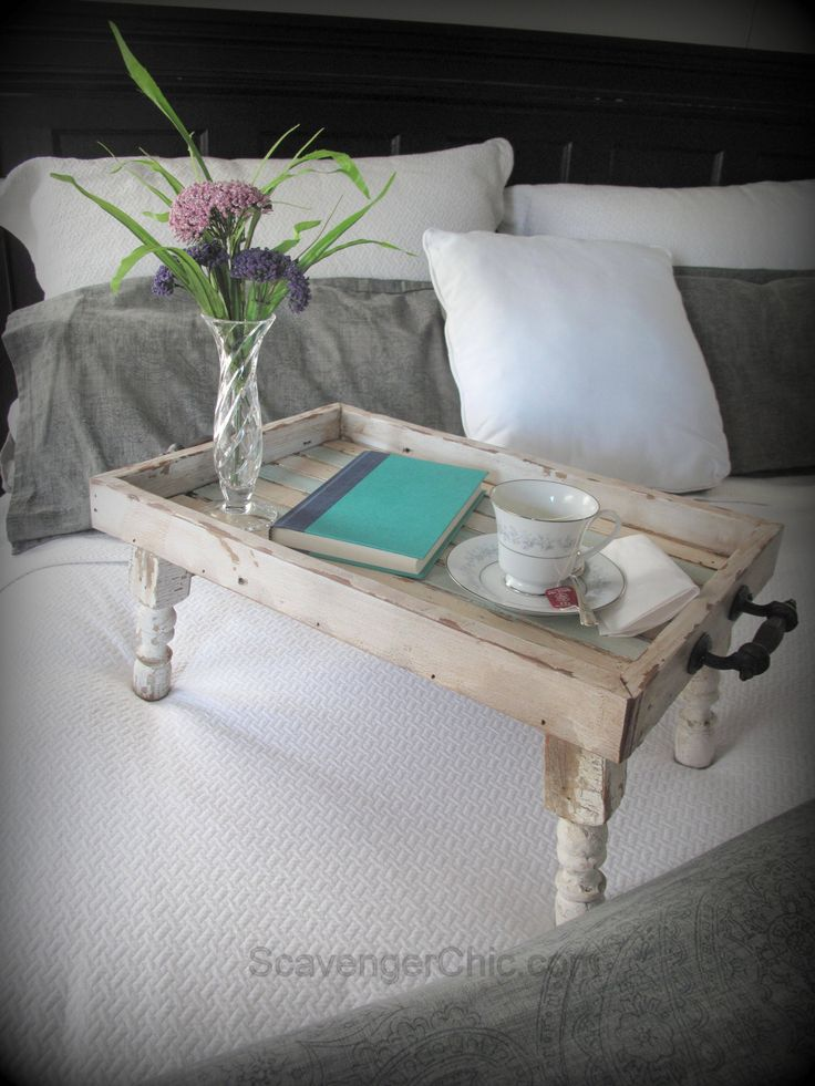 Reclaimed Wood Bed Tray diy | Scavenger Chic - cut spindle legs at 10 degrees on mitre saw so they splay out a little