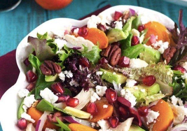 РЕЦЕПТЫ: Зимние полезные салаты с хурмой — с гранатом и фетой