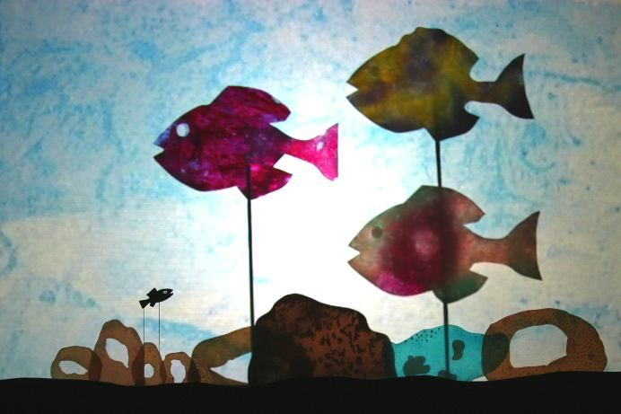 Art inspired by the book Swimmy - would be a cool lightbox activity too.!
