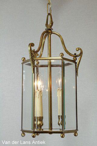 Klassieke lantaarn 25898 bij Van der Lans Antiek. Meer antieke lampen op www.lansantiek.com