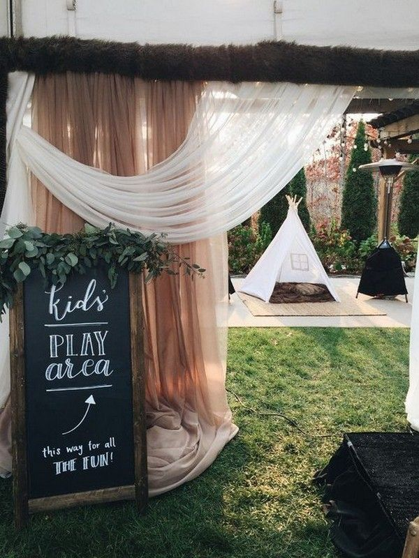 Kids at Your Weddings-12 Brilliant Ways to Entertain Them