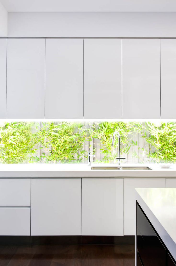 Love this image..caesarstone, looking good Schulberg Demkiw Architects 1141 Pure White