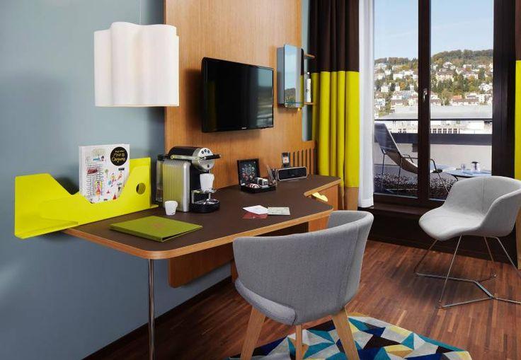 Platinzimmer Einrichtung & Ausblick Platin Room Interior & View