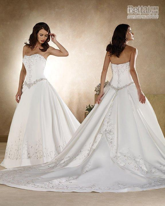 Nice Strapless Embroidered Wedding Dress
