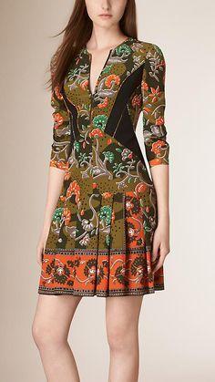 Verde antigo Vestido de seda com estampa floral - Imagem 1                                                                                                                                                                                 Mais