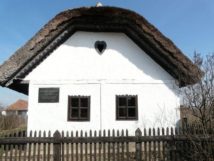 Prügy nevezetessége az 1897-ben épült tájház, melynek helyén állt a Móricz család által egykor lakott (1885-1892) parasztház.