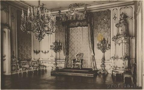 Királynői trónterem