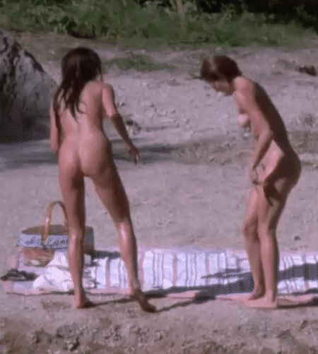 Charlize theron nude reindeer games 4