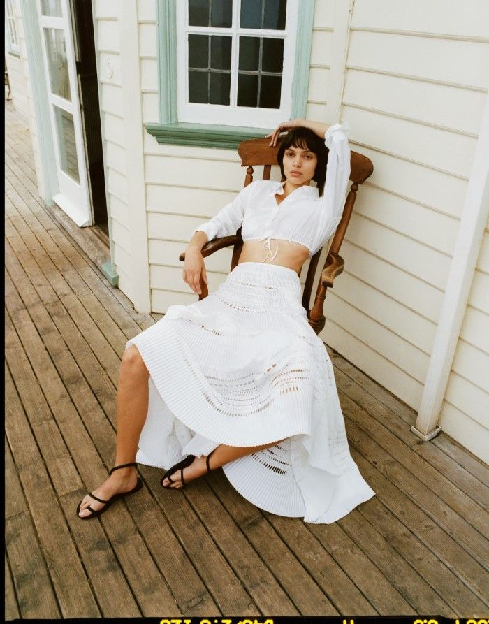 Charlee Fraser Is Easy Chic By Quentin De Briey For The Edit June 22, 2017 — Anne of Carversville http://www.anneofcarversville.com/style-photos/2017/6/22/80txugm8yl8rjj5v4jjbmjgc15qoum