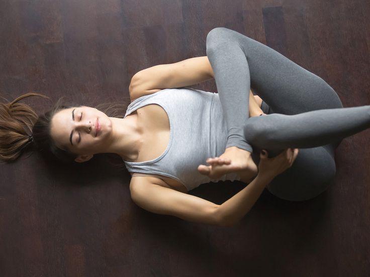 Diese beiden Yin-Yoga-Übungen sind perfekt für den Frühling   Flu ...