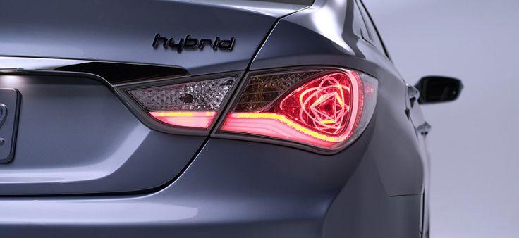 2014_Hyundai_Sonata_Hybrid_13.jpg