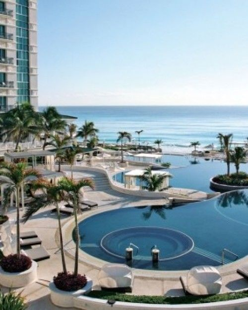 Sandos Cancun Luxury Resort  ( Cancun, Mexico )  Formerly Le Meridien, the Sandos Cancun is in a stunning location overlooking the Caribbean. #Jetsetter