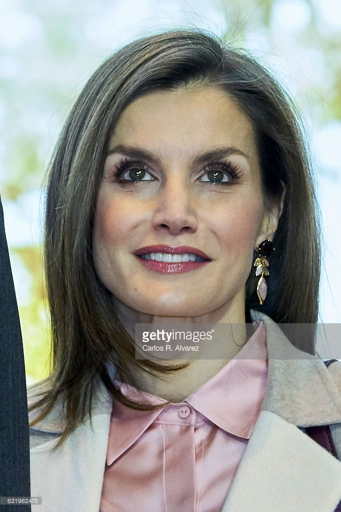 Queen Letizia of Spain attends the FITUR International Tourism Fair opening at Ifema on January 18, 2017 in Madrid, Spain.  (Photo by Carlos R. Alvarez/WireImage)