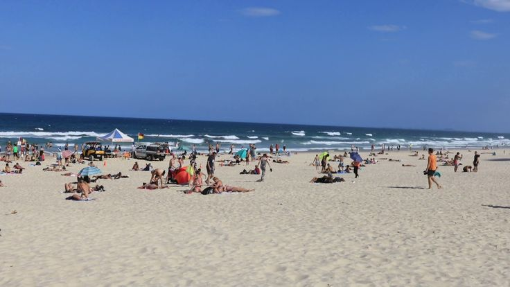 Surfers Paradise Beach in January 2017 in 4K