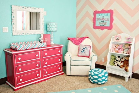 Coral and aqua baby room.: Wall Colors, Colors Combos, Little Girls Rooms, Colors Schemes, Baby Girls, Baby Rooms, Chevron Wall, Girls Nurseries, Kids Rooms