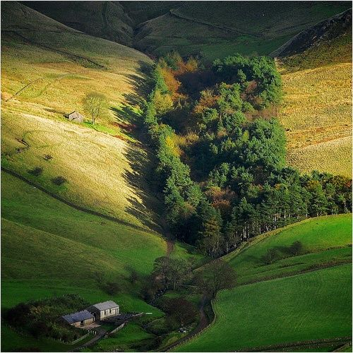 Wildboarclough, Peak District, Derbyshire, England (via Luthien Thye / Pinterest)