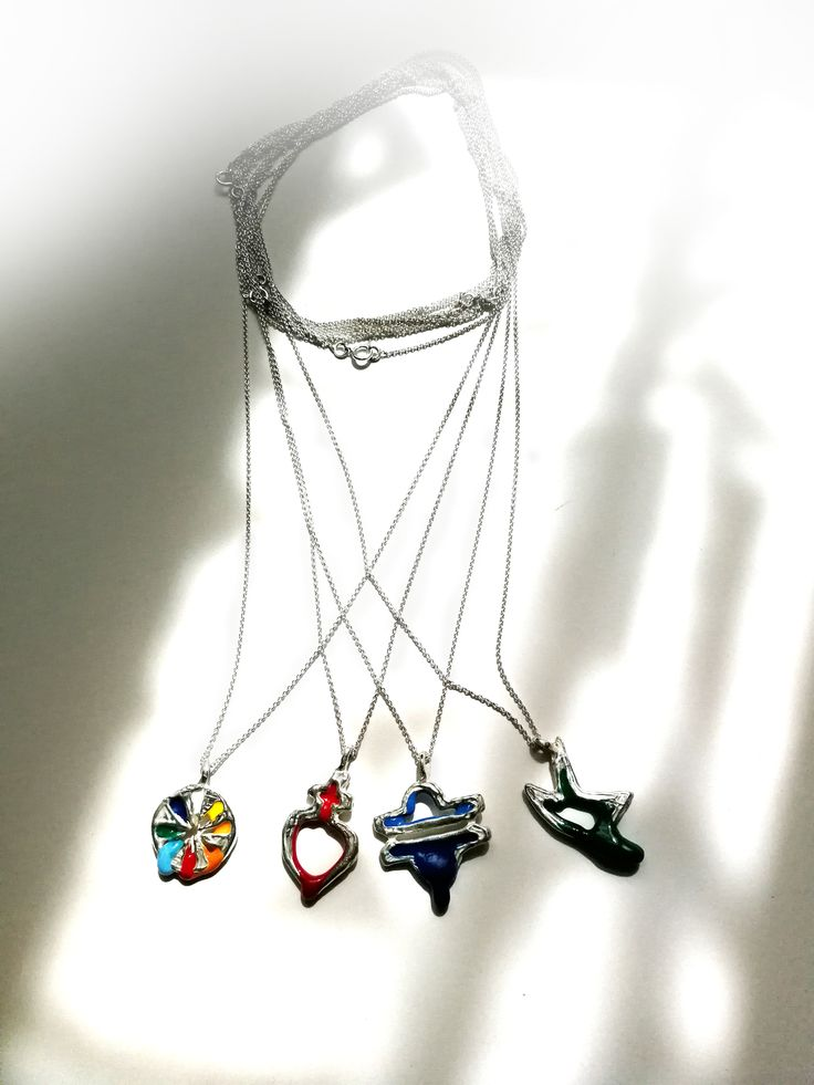 "Contemporary jewelry, limited collection ""Persona"".  Necklace. 3 x 2 x 90 cm Silver and cold email. Anayd Blu"