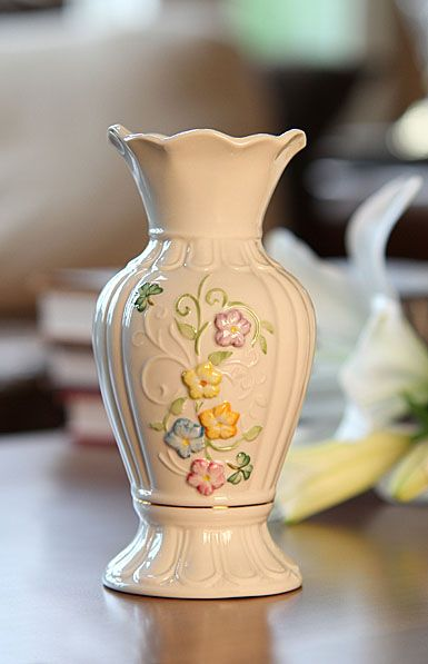 Belleek China Culmore Heritage 7 in. Vase, Limited Edition