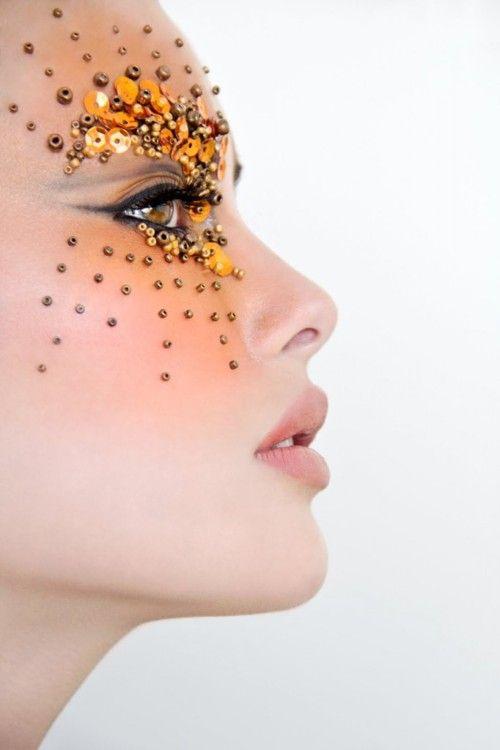 .: Fashion Beautiful, Fantasy Makeup, Eye Makeup, Saia Mini-Sequins, Gold Sequins, Makeup Ideas, Makeup Art, Creative Makeup, Forefront