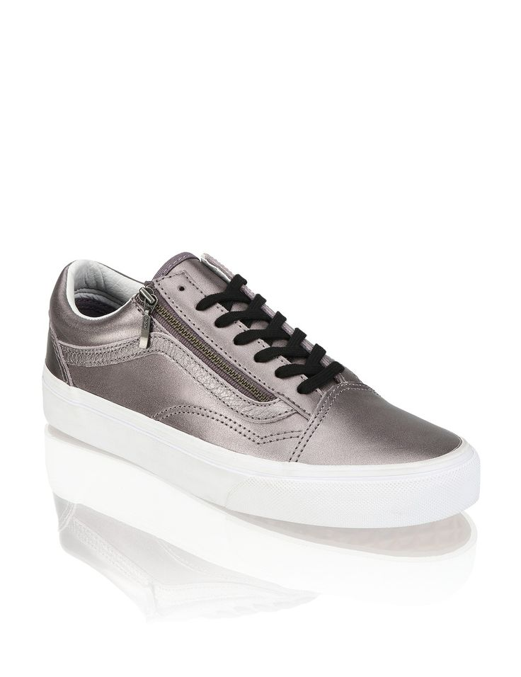 http://www.humanic.net/de/Damen/Schuhe/Sneaker/Vans-Old-Skool-Zip-grau-1711124654?related-search=/WomensShoes-category/Sneaker-producttype/Vans-brand