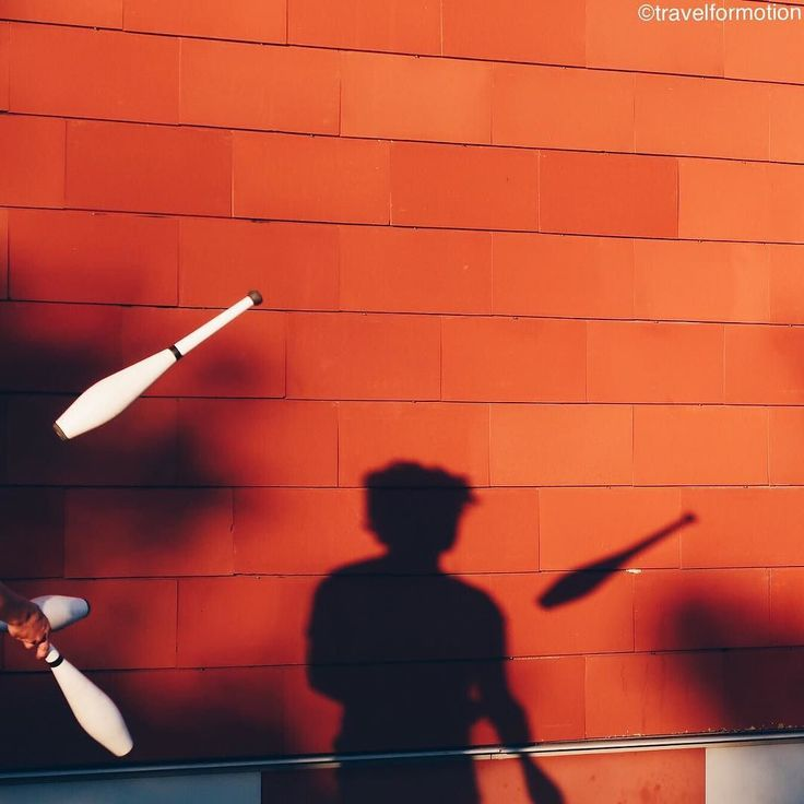 #working #monday is over time to #play in the #shadows of the #winter #sun #red #wall #brugge #bruges #visitbruges #belgium #igbelgium #belgium_unite #flanders #artist #guardiantravelsnaps #wanderlust #travel #travelgram #vsco #vscocam #sunset #colours