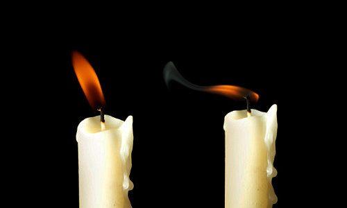 Si la llama de la vela parece parpadear mucho, o se inclina hacia un lado, avisa de que lo que estas pidiendo no esa bien enfocado y tienes que cambiar la manera de explicar tu petición.