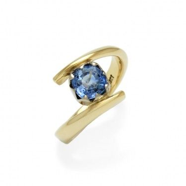 Ceylonese Sapphire Ring in 18ct White and Yellow Gold by Benjamin Black Goldsmiths.