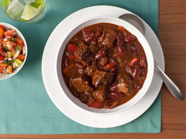 Healthy Meal Makeovers: Beef Chili Recipe : Food Network Kitchen : Food Network - FoodNetwork.com