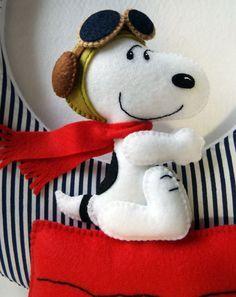 Guirlanda para porta de maternidade, tema Snoopy. Recepcione seu bebê com esse…