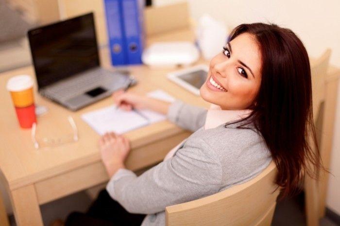 6 ошибок в макияже, которые допускают девушки, работающие в офисе http://chert-poberi.ru/interestnoe/6-oshibok-v-makiyazhe-kotorye-dopuskayut-devushki-rabotayushhie-v-ofise.html
